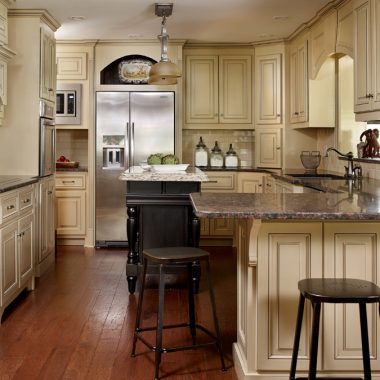 Kitchen by Valerie Garrett Interior Design